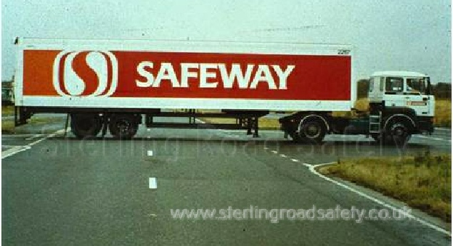 Lorry Overhanging Central Reserve